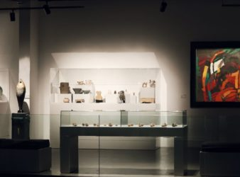 Picture showing paintings, sculptures, and pottery at the Nabu Museum. (Laudy Issa)