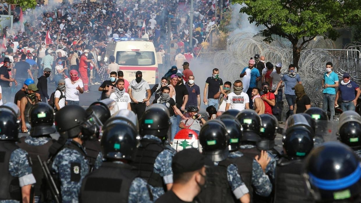 Sectarian support as Lebanon's public health crisis / Clashes in Beirut on June 6, 2020 (Photo: Reuters / Aziz Taher)