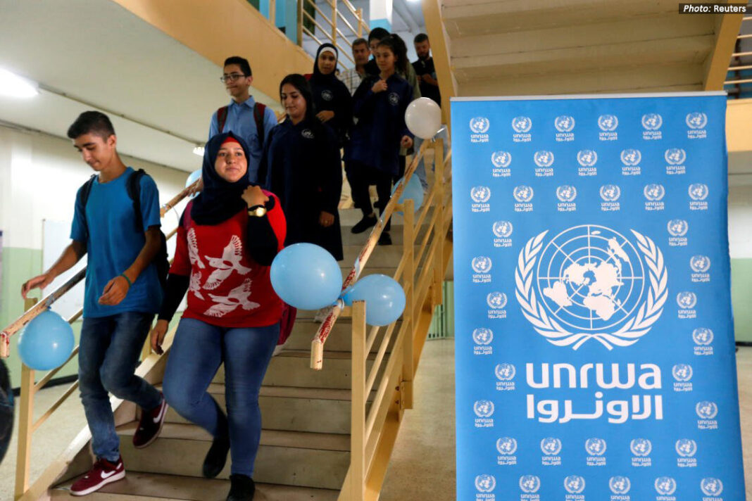 Palestinian children attend a UNRWA school (Photo: Reuters)