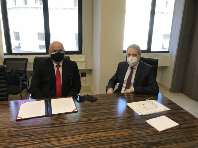 World Bank Regional Director Saroj Kumar Jha meets with Lebanese caretaker Minister of Finance Ghazi Wazni on May 24, 2021. (Photo: Twitter   @SarojJha001)